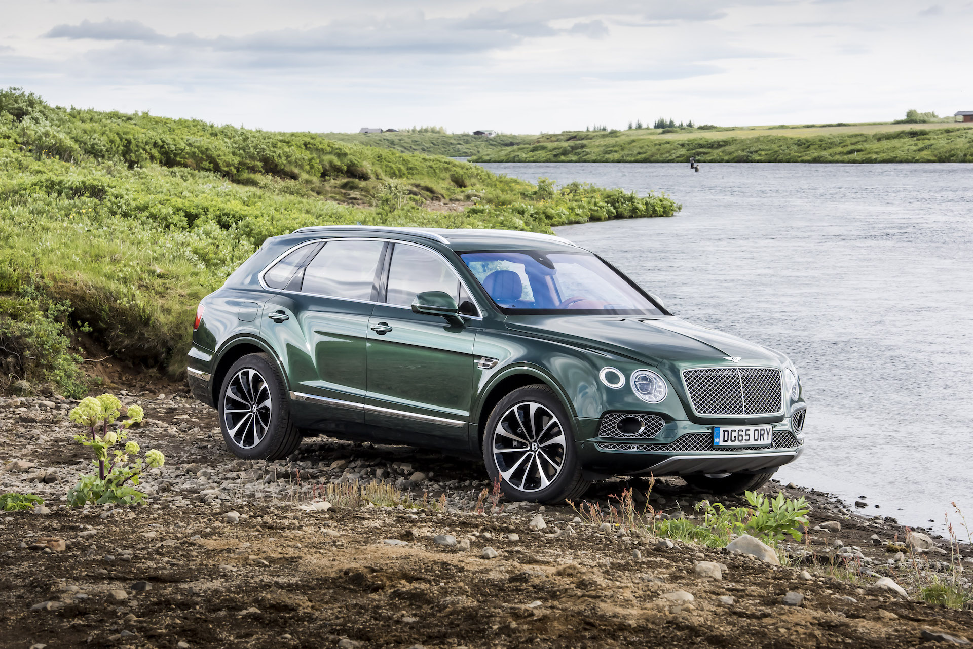 canada s lease takeover test bentley review research leasebusters en bentayga alt teaser asp pioneers road