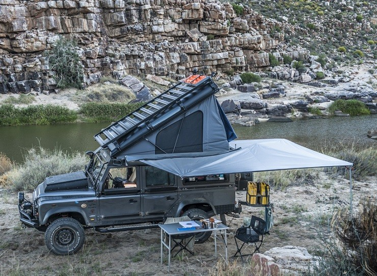 Land-Rover-Icarus-Rooftop-Camper-by-Alu-Cab-1